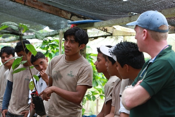 Student in Ecuador shares his knowledge